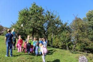 2016_09_30_Naravoslovni dan_Jesen v sadovnjaku_Ljudmila (90)